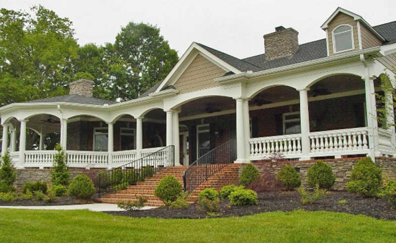 #28 Porch Columns with Balustrade